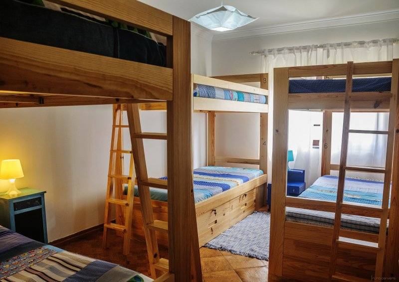 Bulk beds hostel surf camp santa Cruz