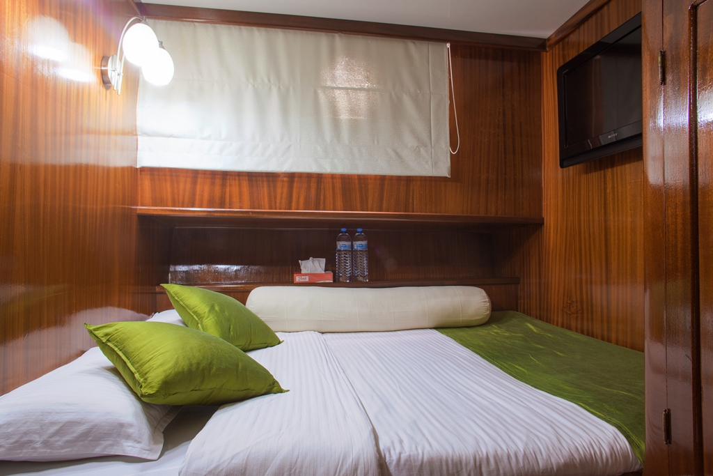 Dream Voyager sailing yacht in the Maldives double room