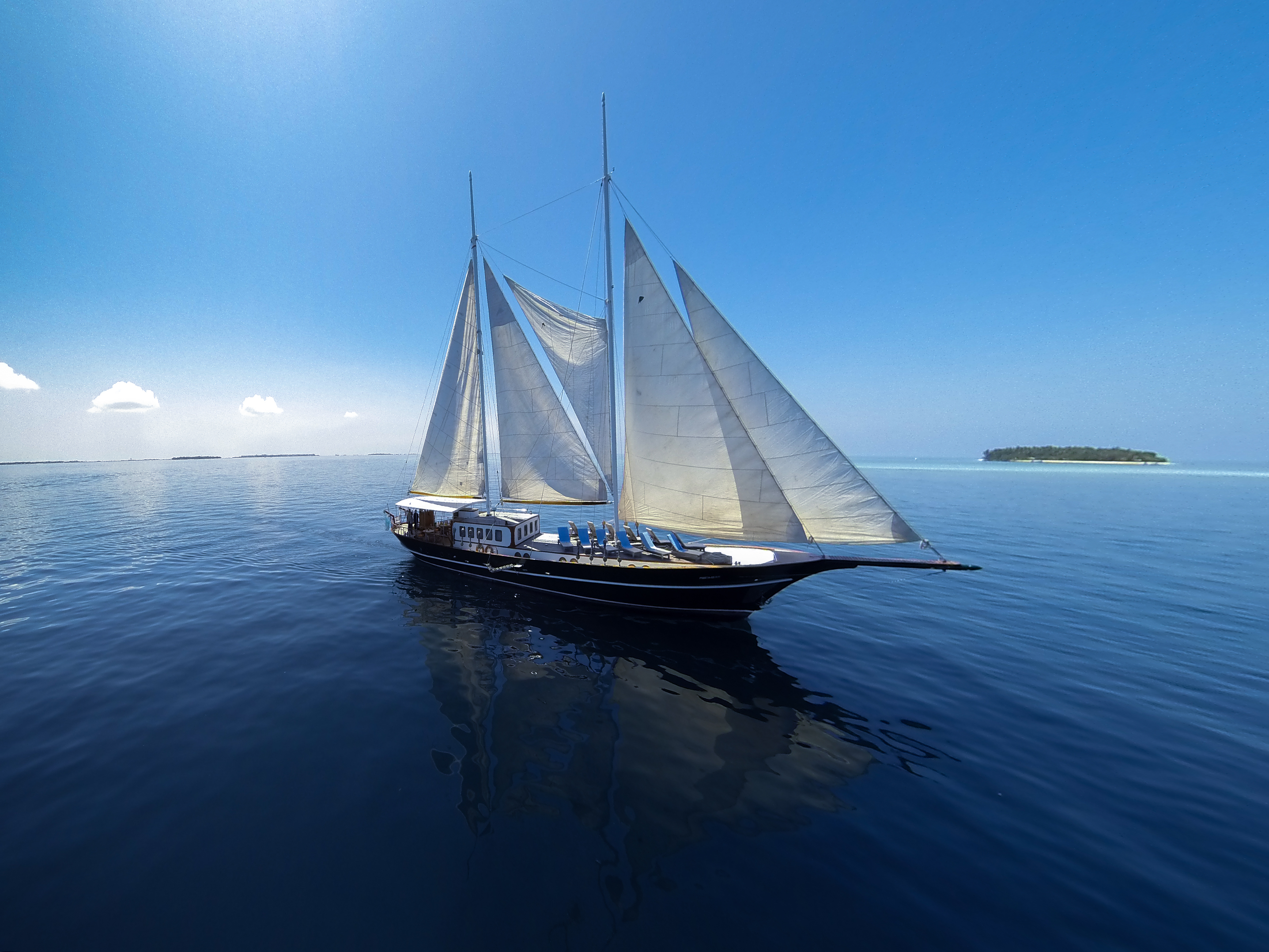 Dream Voyager sailing yacht in the Maldives